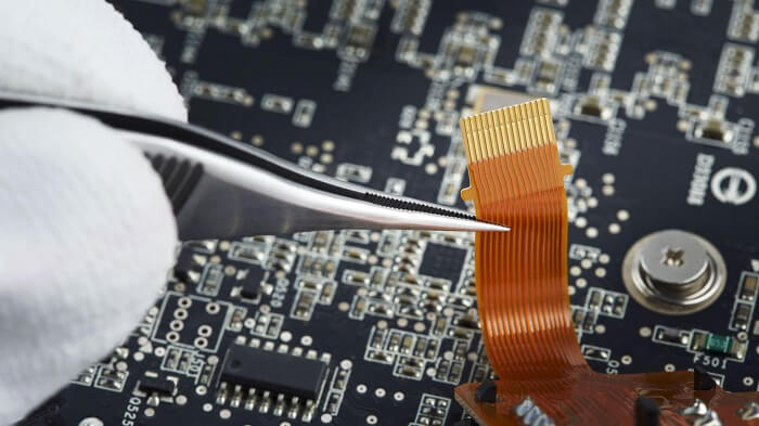 Defects in semiconductor PCBs